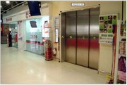 AP-1F-N007家樂福安平店1F客梯門貼圖(賣場結帳區出口處動線)