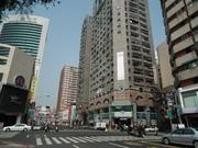 三多商圈一心二路大樓廣告牆
