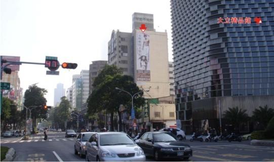 P-0074B壁面廣告塔 -高雄市中華四路363號-大立精品館、城市光廊、大統百貨、新崛江商廣告看板
