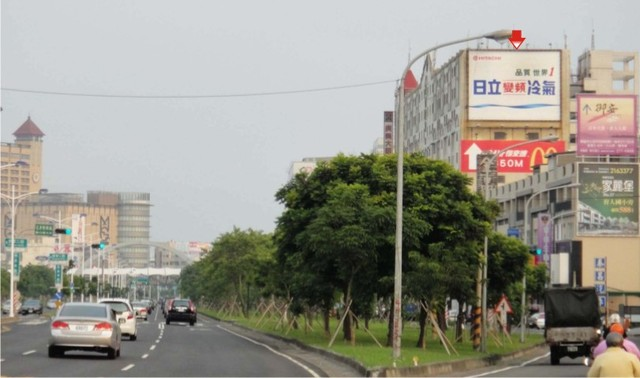 L-0050壁面廣告牆-嘉義市忠孝路575號9樓至11樓壁面-台一線往嘉義基督教醫院方向廣告看板