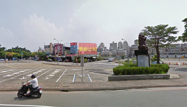 台中市往太平重要道路~鄰近一中街、游泳池、省立圖書館(舊址)~往來人口密集