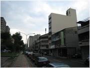 正綠園道面寬超寬 無遮蔽物 大樓外牆出租 看板出租 廣告出租