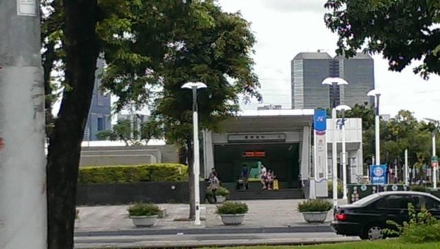 R6凱旋捷運站