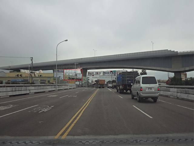 各行業皆適合--旱溪東路與六順路交叉口看板