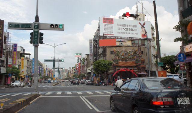 P-0243鐵架廣告塔-高雄市左營區新庄仔路550號-捷運巨蛋站、漢神巨蛋百貨、瑞豐夜市廣告看板