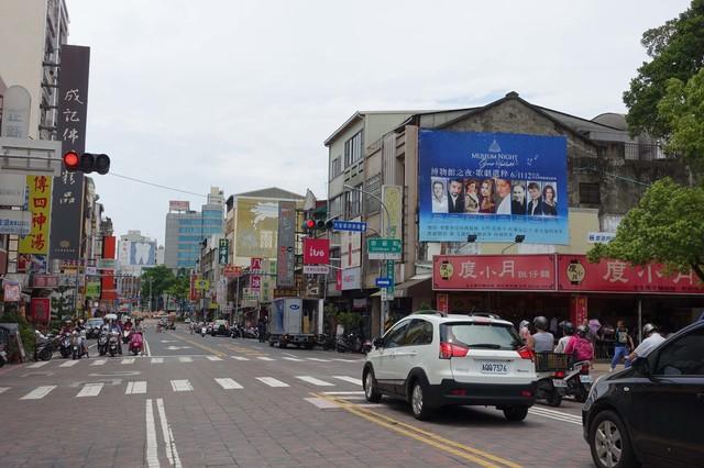 N-0685壁面廣告塔-台南市民族路二段218號-赤崁樓、武廟、永樂市場廣告看板
