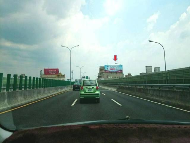 74號快速道路媒體廣告看板