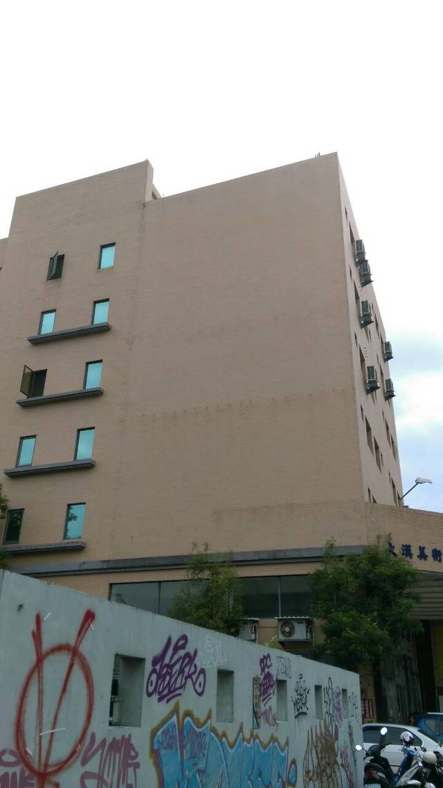 最大廣告面積約4層樓高