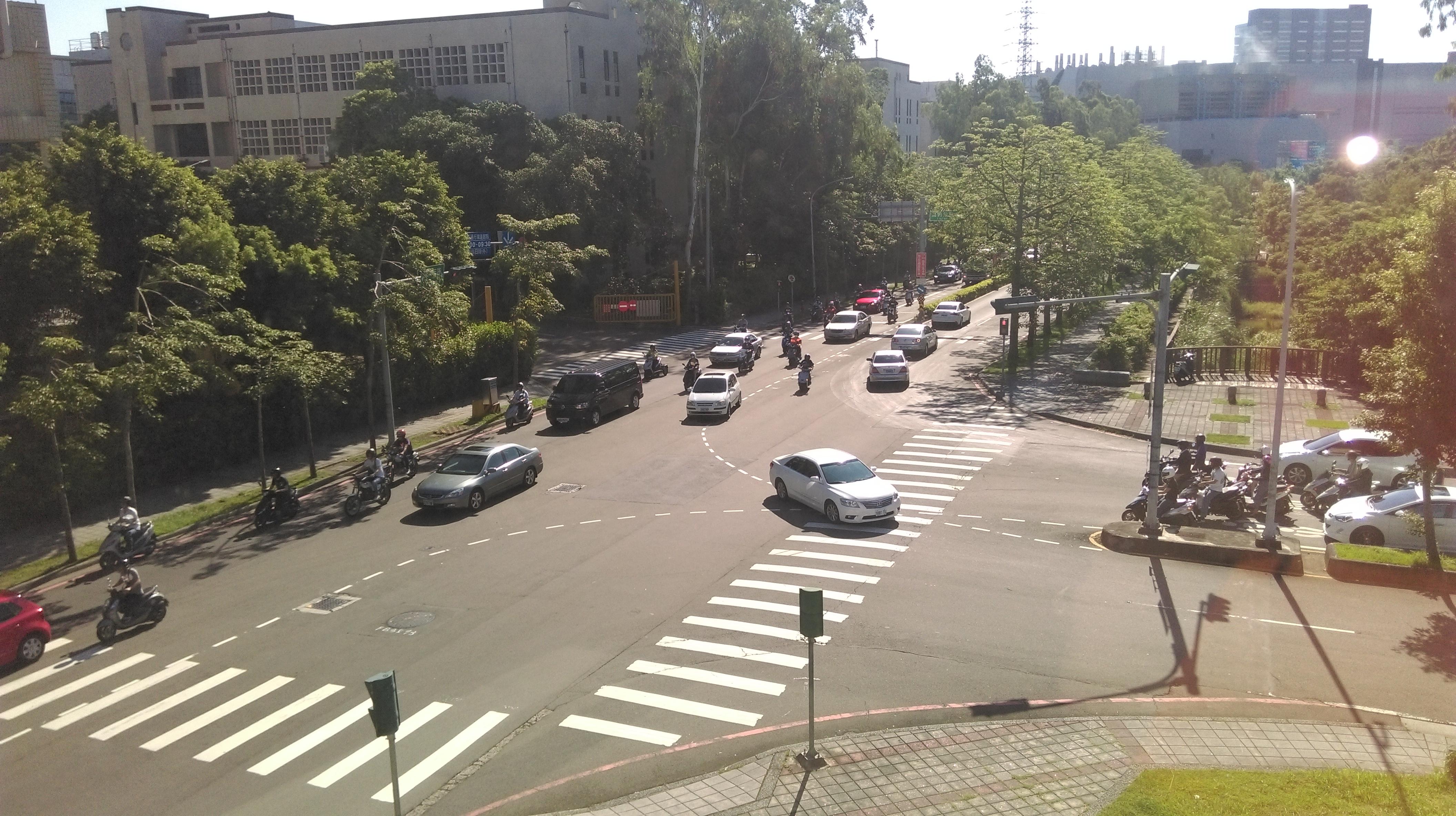 新竹科學園區園區三路、雙園路交叉路口牆面廣告出租