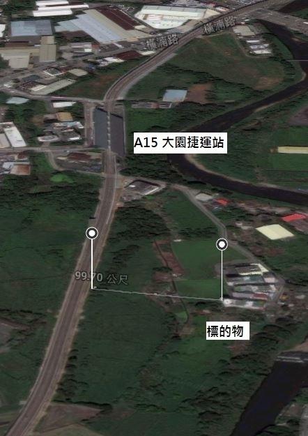距捷運路線不到100公尺,距捷運站約300公尺,