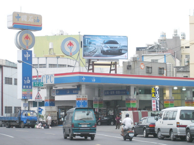 燈箱牆面廣告-日間