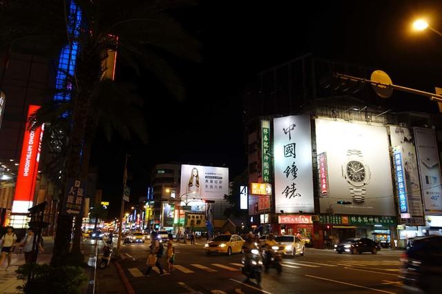 N-0053鐵架廣告塔-台南市西門路一段697號 - 新光三越對面、大億麗緻酒店、錢櫃KTV廣告看板