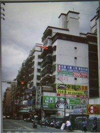 佳瑪百貨旁廣告外牆出租