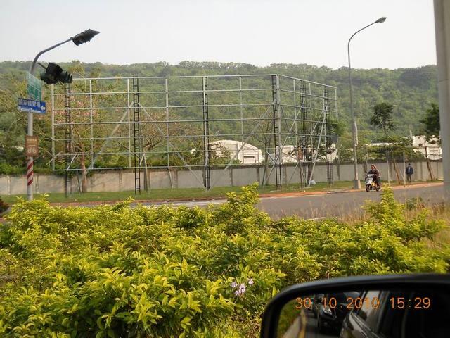 高雄市左楠區總長80尺*高20尺帆布鐵架