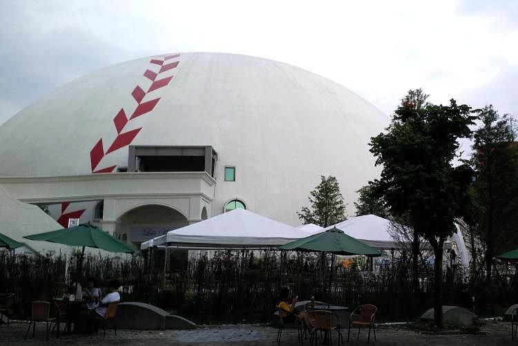 洲際棒球文化園區