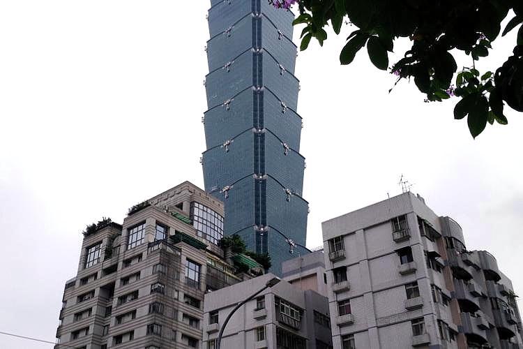 圖片:房市利多再添一筆!建商囤房稅調降有利購屋者