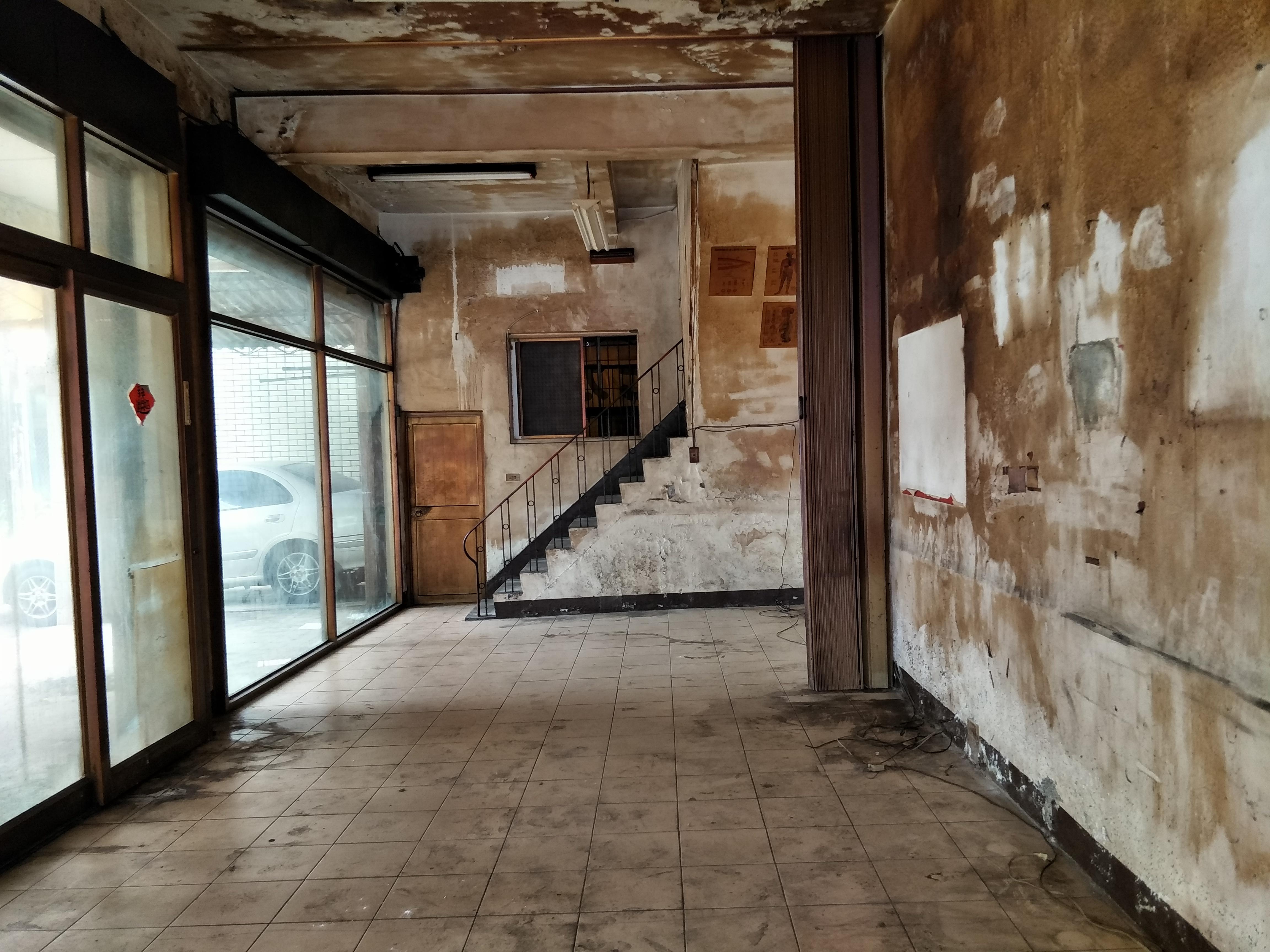 陽明學區漂亮面寬三角窗透店