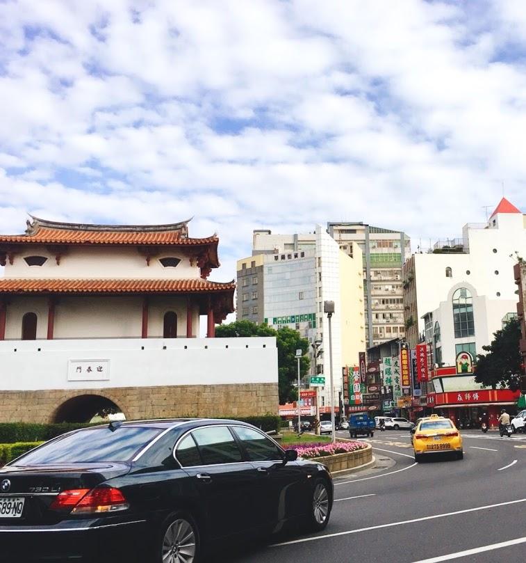 台南市正東區臨學區黃金店面