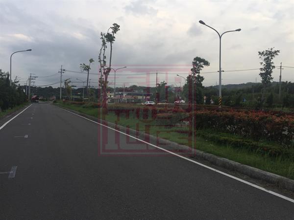 竹東㊣公道路美農地-春明地產-035551111