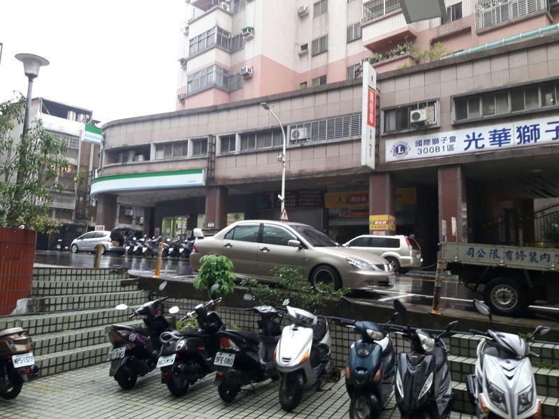 雙捷運丹鳳站廠辦-龍邑不動產