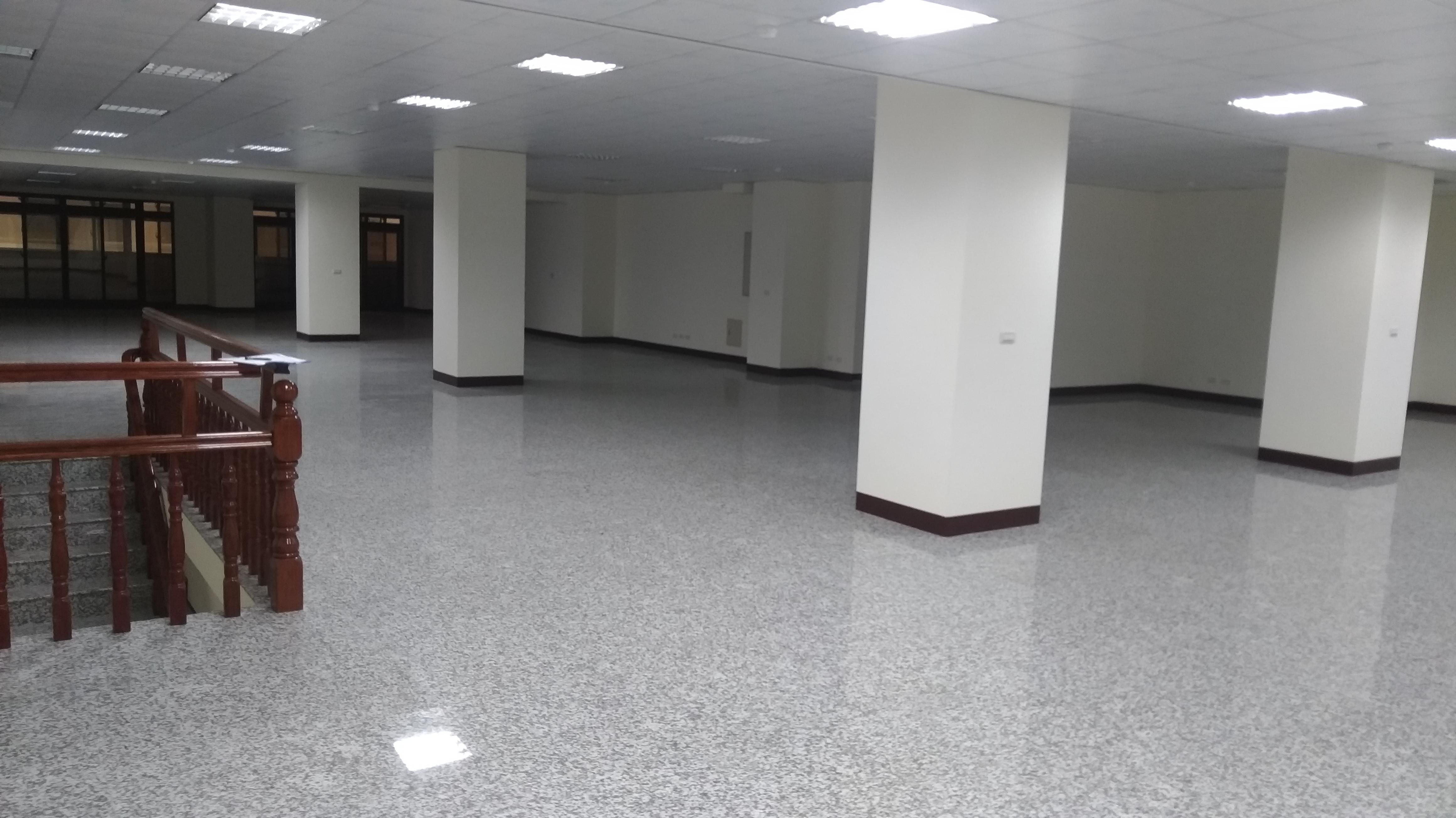 國際高鐵雙子星1-2樓大店面含管