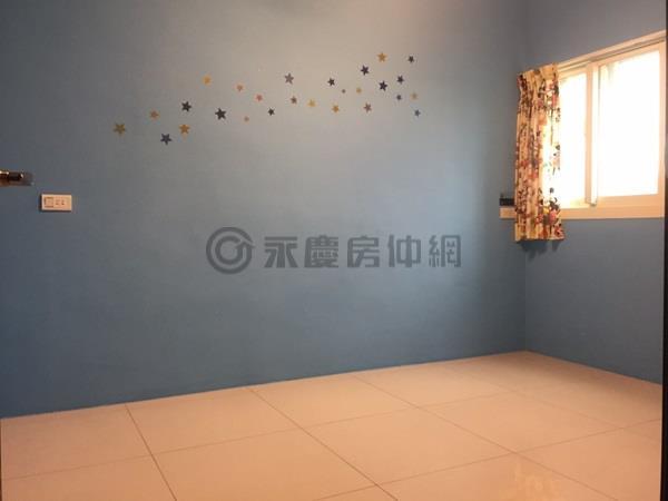 鄰近竹北國中臨路透天