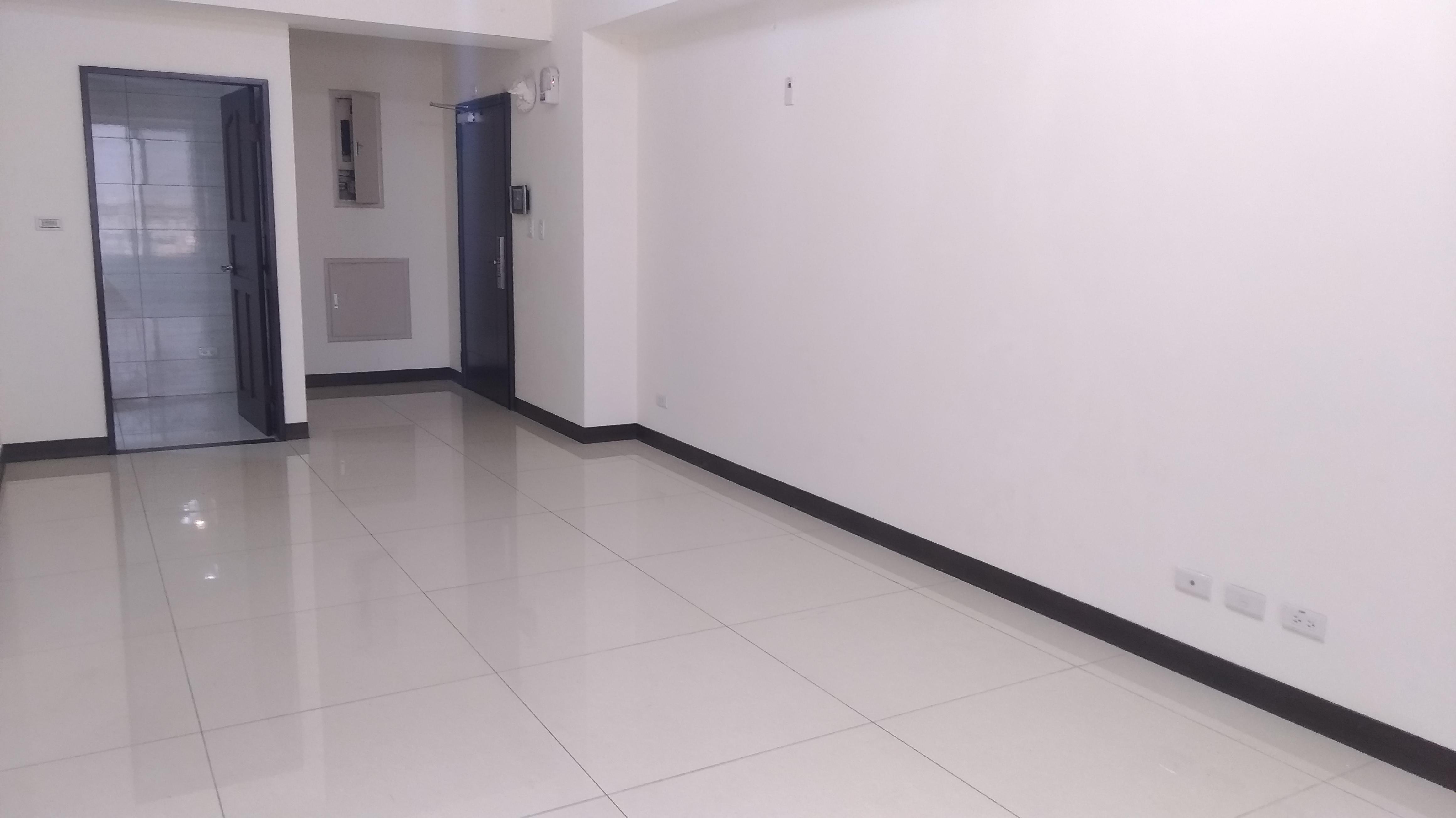 近高榮工業區,電梯大三房含平面雙車位