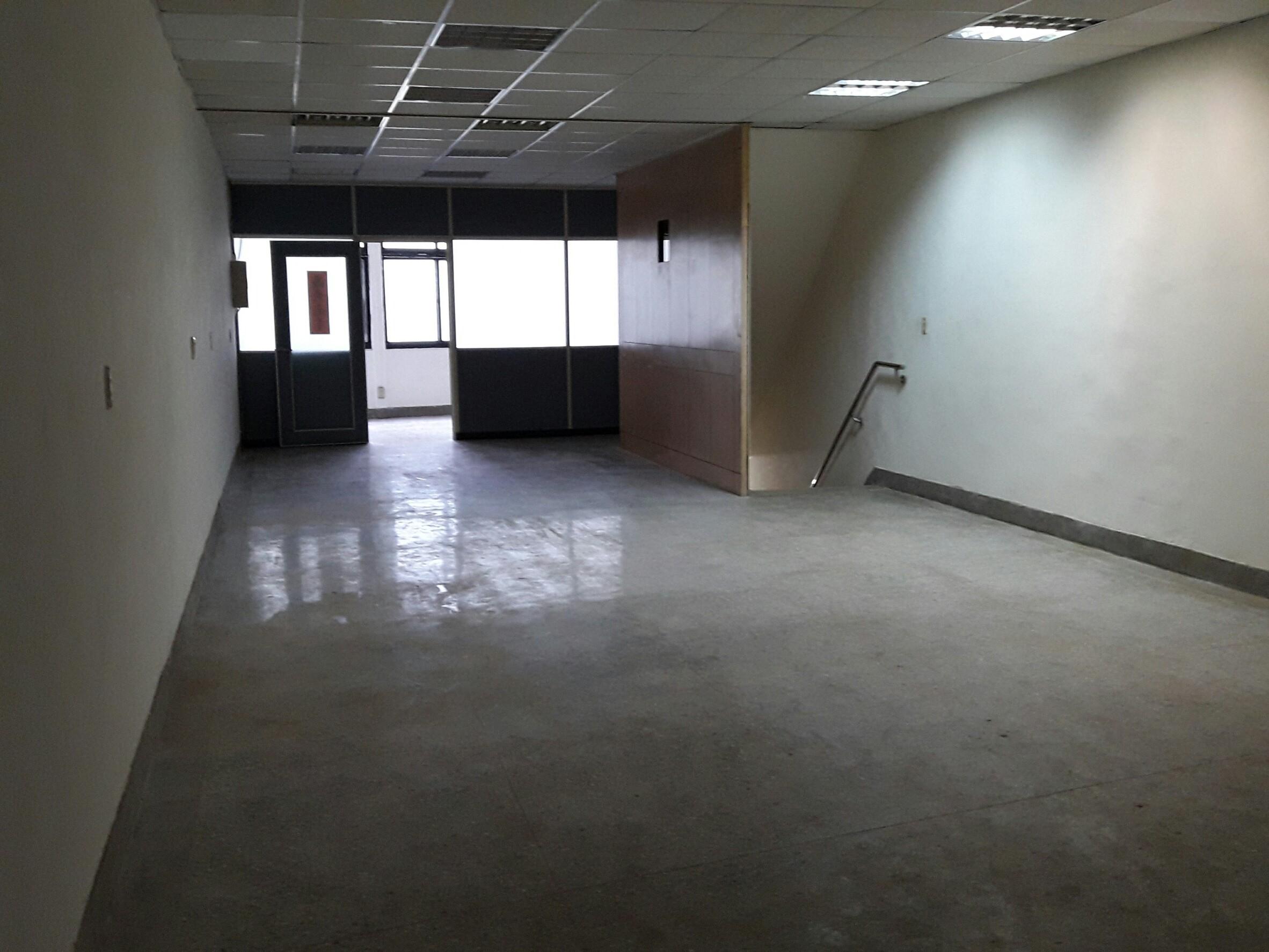 國慶路透天2+3樓廠辦-龍邑不動產