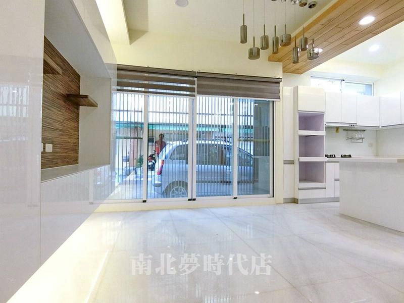 ~*☆永康區大灣路 - 大灣翻新(雙)車電梯別墅-13間套房