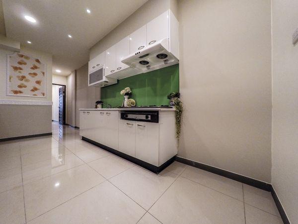 新竹買賣房屋~竹蓮市場旁~八大學區~零公設~2樓大三房美寓 售698萬