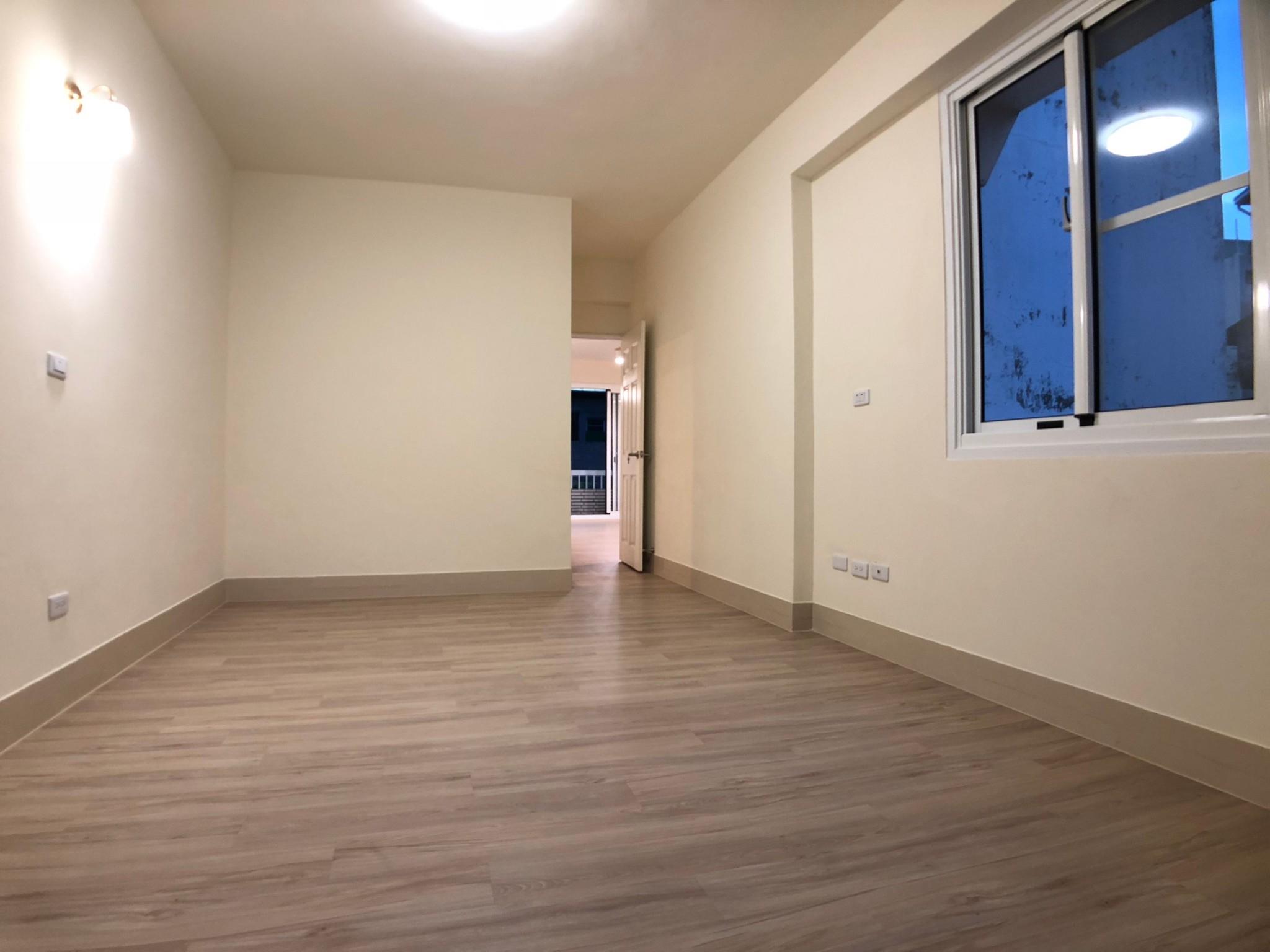 近捷運五塊厝站福德商圈亮麗公寓四樓~398萬