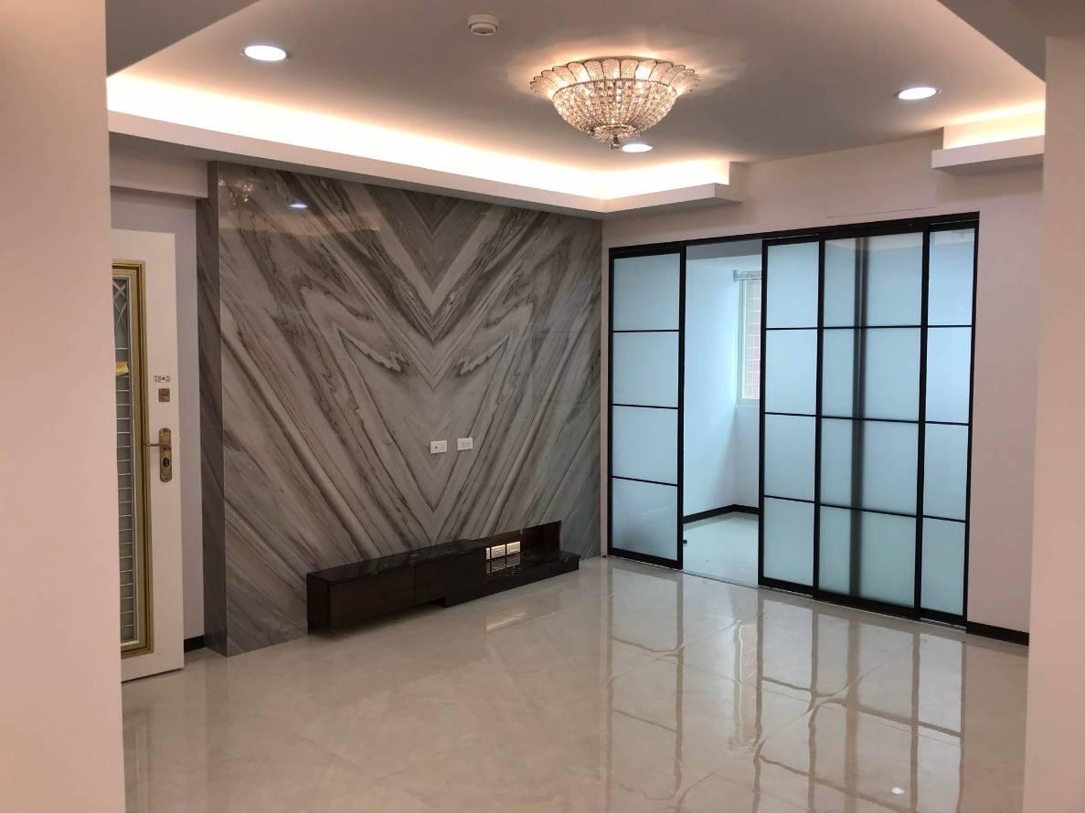 蘆洲區永平街電梯3+1房 附車位