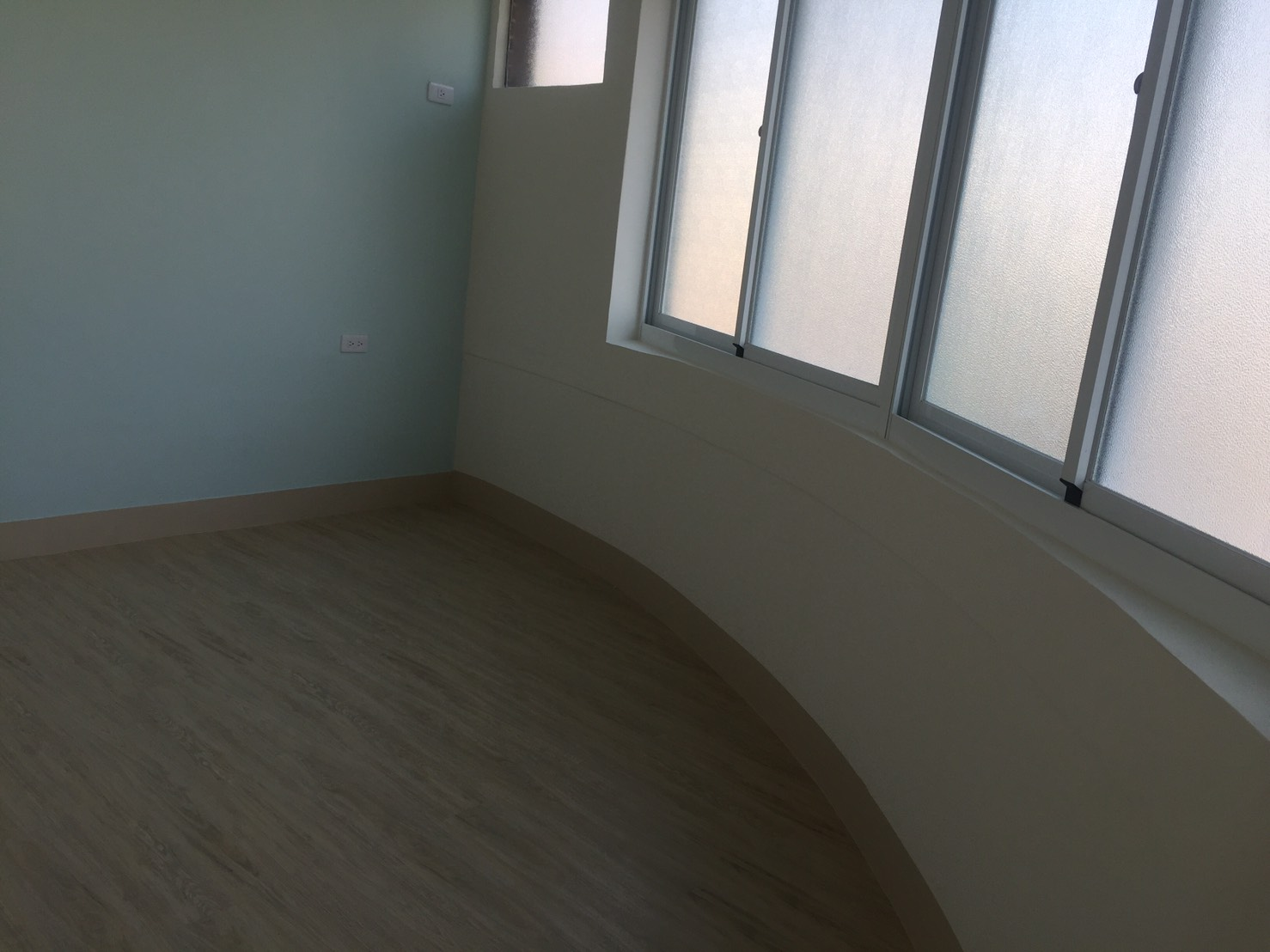 建工商圈公寓五樓~298萬