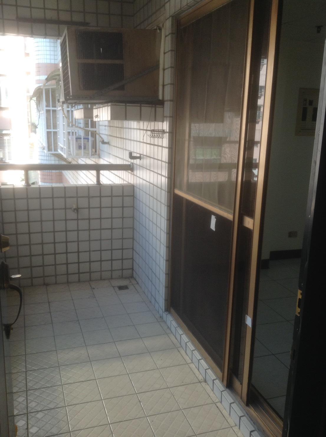 新莊買屋新莊賣屋70.優質低公設電梯三房0923-580680