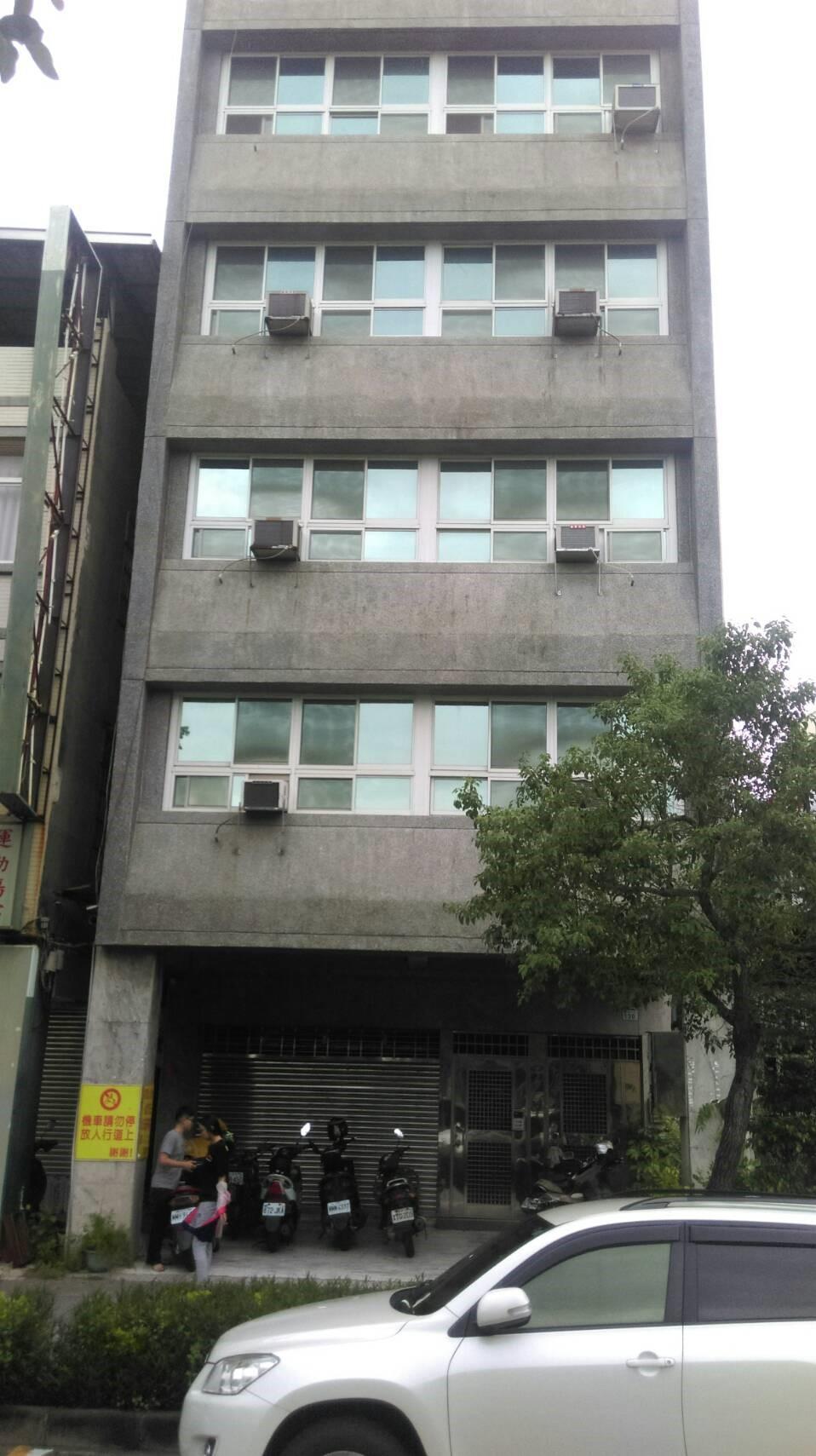 四維三路1樓B1店面