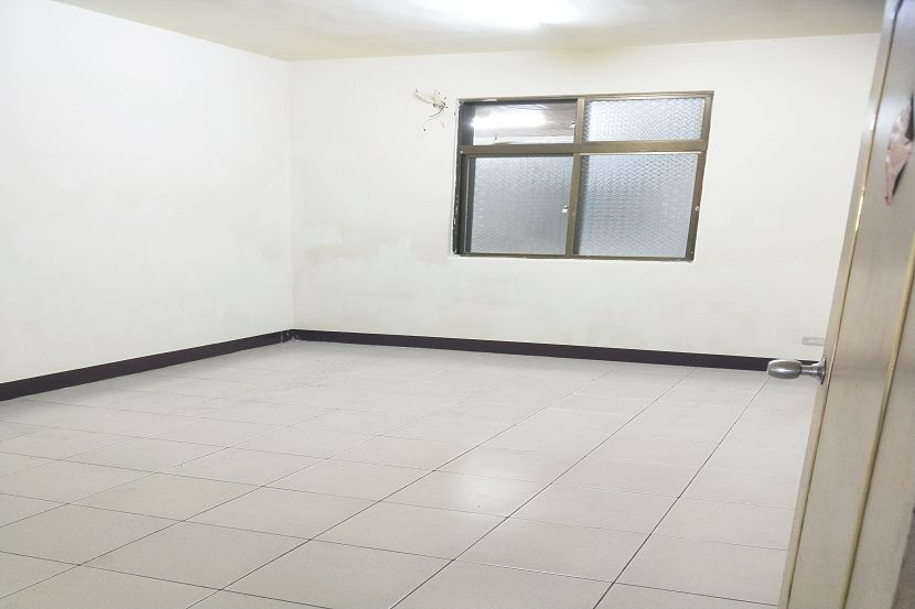 A146海霸王3樓四房 板橋買屋,店面,住商朱茂良0932-224-646