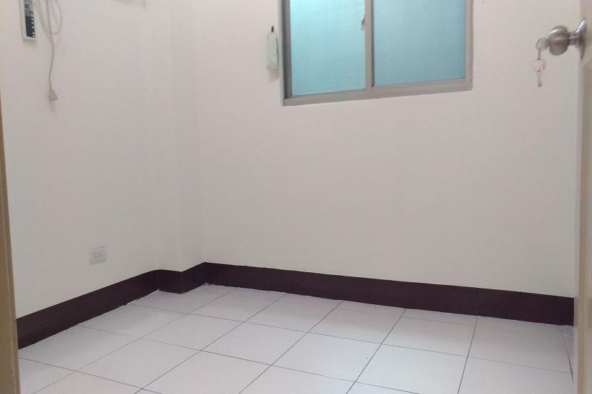 C195重慶國小邊間美一樓 板橋買屋,店面,住商朱茂良0932-224-646