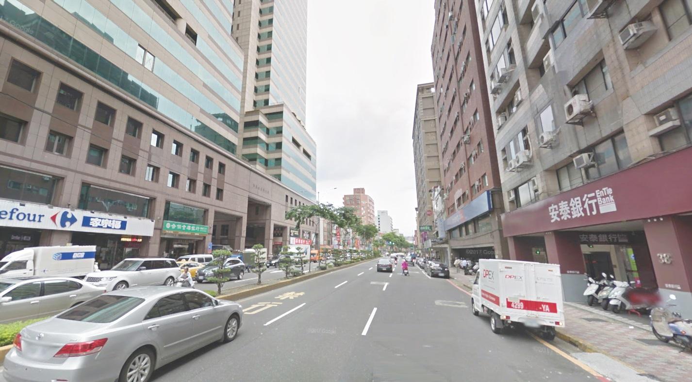 B259埔墘三民家樂福電梯 板橋買屋,店面,住商朱茂良0932-224-646
