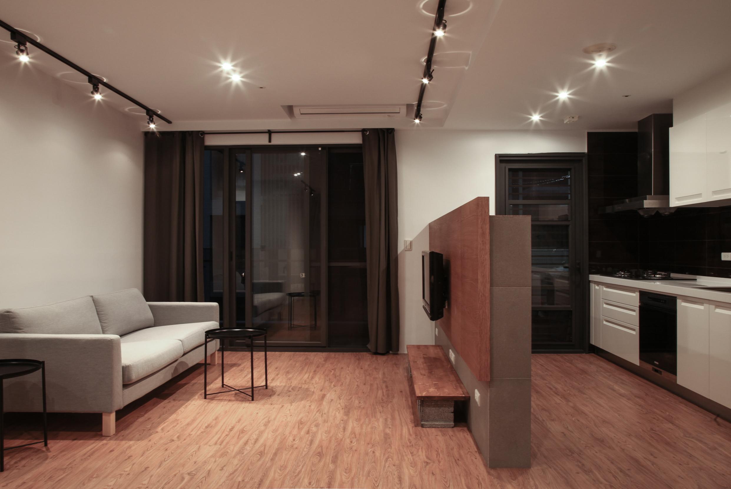 青埔A19站太睿泰極 高樓層 兩房兩廳兩衛含車位 全新裝潢 全新家具家電 一卡皮箱即可入住