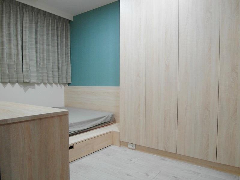 近喜來登、遠百。木工裝潢全新兩房。附車位