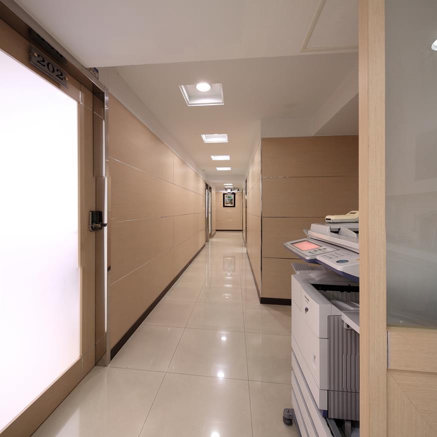 正忠孝東路地段,近捷運,適工作室、倉儲、辦公室
