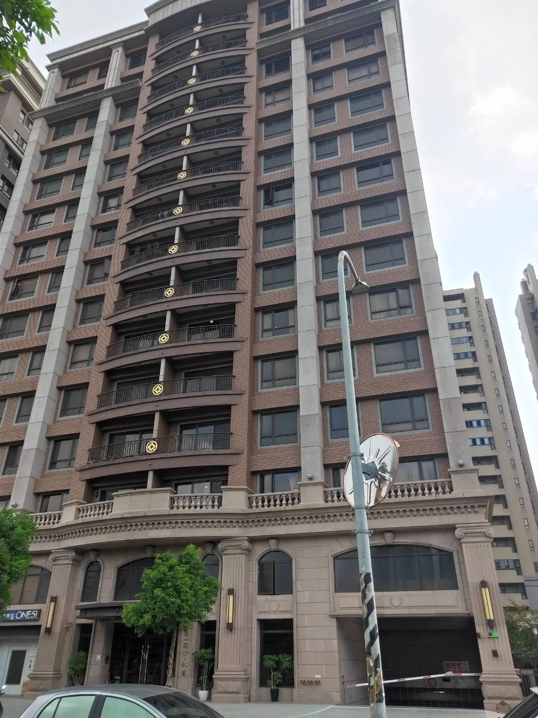慶賀51頂樓三房+車位