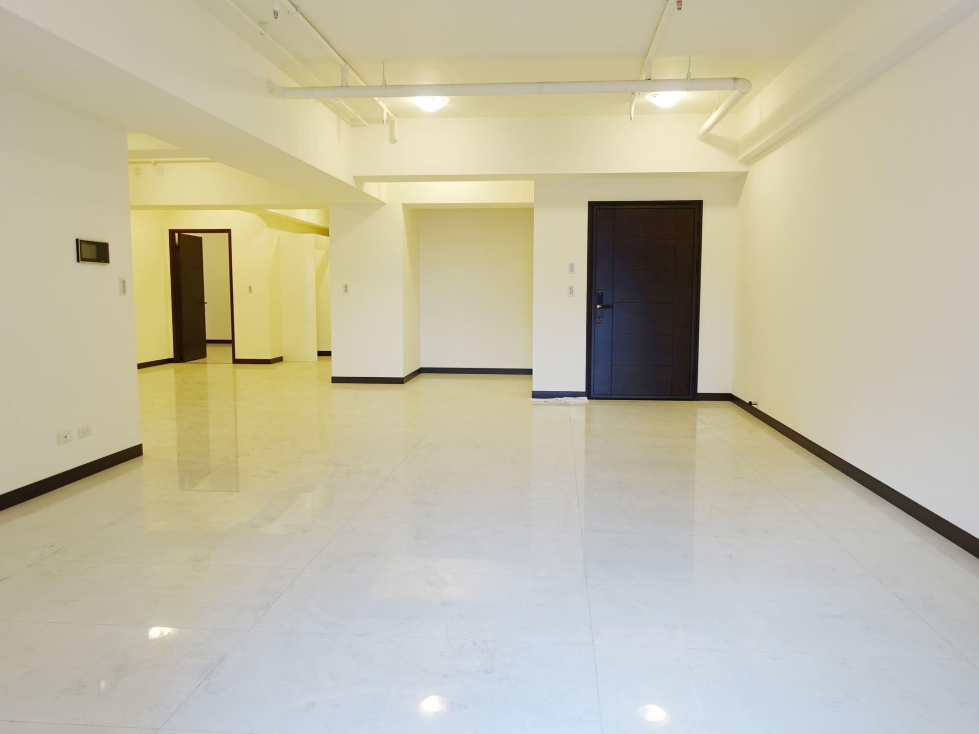 美術館★【遠見御琚】全新未住4房+雙平車