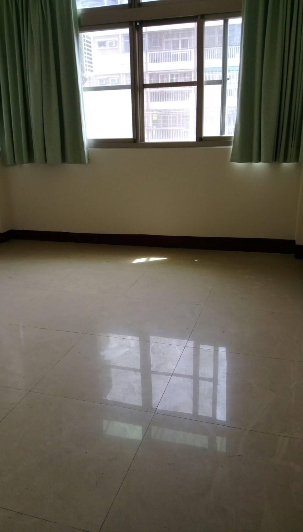 鳳山菁華三樓美寓
