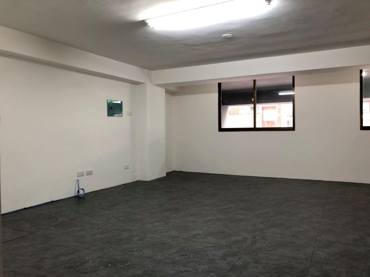 文化中心★邊間面寬6.43米店面