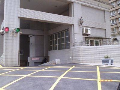 【林口角間次頂3房平車】三井商場、林口捷運、國賓影城