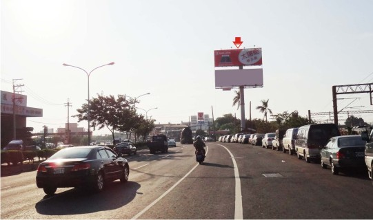 SD-H-0003A-TBAR-台中市烏日區中山路-烏日高鐵站往烏日交流道方向廣告看板
