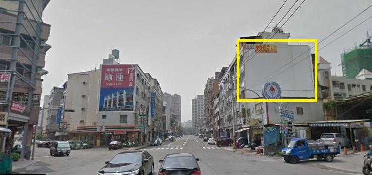 高雄左營蓮潭會館三叉路口牆面招牌廣告牆