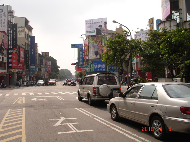 N-0295鐵架廣告塔-台南市東寧路122號-東寧路商圈、各大學校校區、火車站、新光三越廣告看板