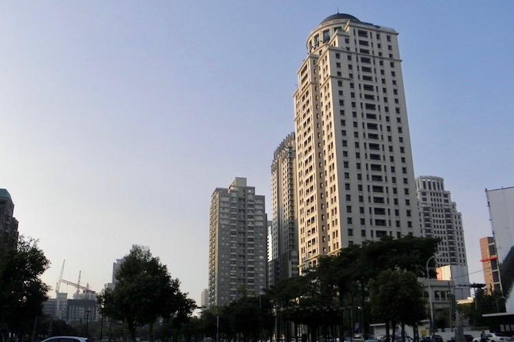 圖片:10月房市完勝!台中、台北暴衝式成長
